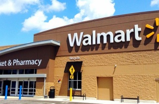Wal-mart expands insurance reach in 2015 with more carriers and in-store brokers