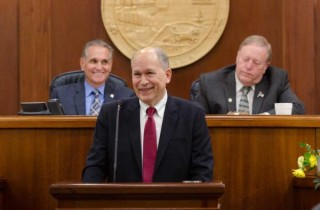 """Gov. Walker: Alaska is facing an opportunity """"to fix government,"""" not crisis"""